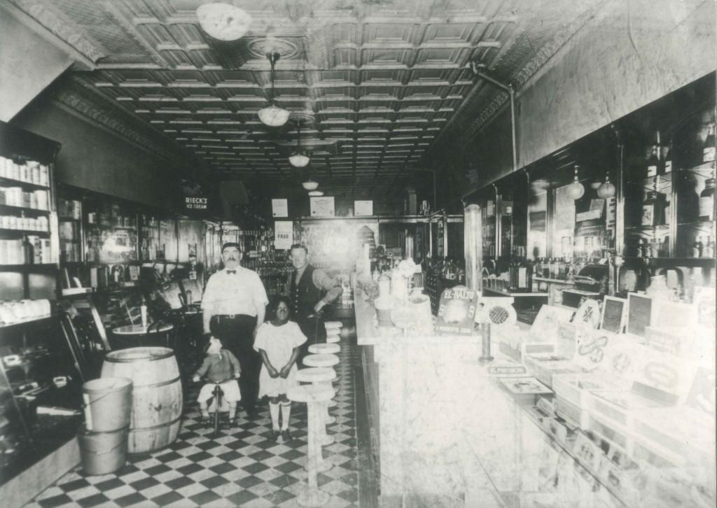 Hepps Pharmacy, 406 Dixon St., c. 1922